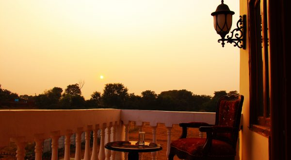 Explore Offbeat Orchha hotels fagun Haveli